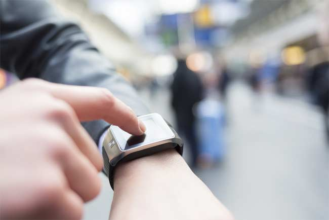 what is a smart smartwatch
