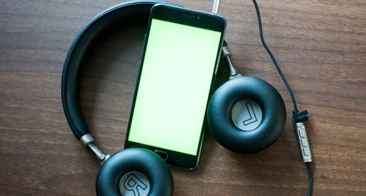 How You Can Clean Headphone Ear Pads
