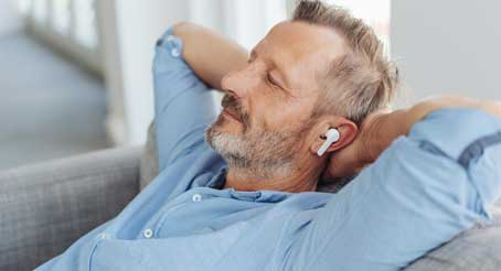 Earbuds Usages Among People